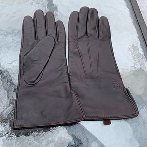 Ralph Lauren's gloves